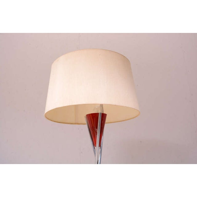 Mid-Century Modern Tripod Floor Lamp For Sale - Image 5 of 9