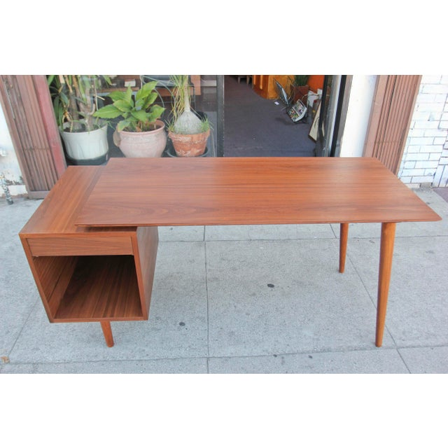 Great mid-century style walnut desk newly hand made in beautiful Los Angeles.
