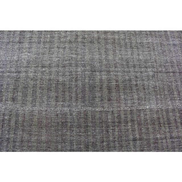 Mid-Century Modern Early 20th Century Vintage Turkish Gray Brown Kilim Rug - 5′9″ × 10′ For Sale - Image 3 of 5