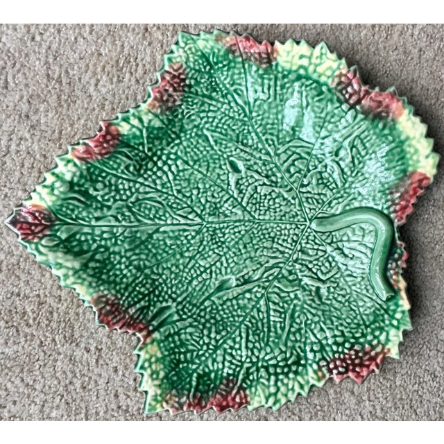 """Green Bordallo Pinheiro 13""""Leaf Serving Platter-2 Available For Sale - Image 8 of 10"""