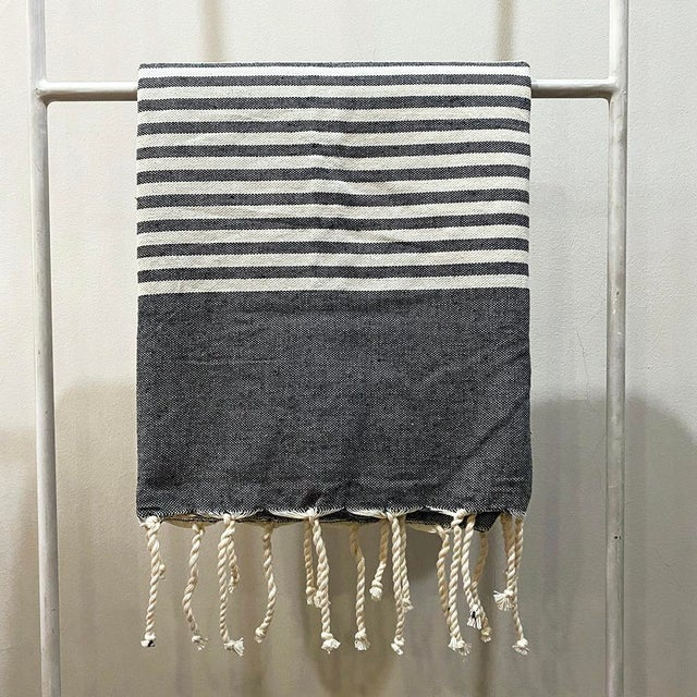 "The Souk's Tunisian Fouta, Egyptian Cotton Bath Towel, 38"" X 80"" For Sale In New York - Image 6 of 6"