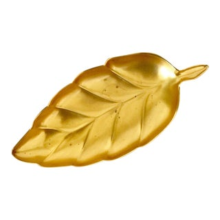 Vintage Brass Tone Napier Leaf Shaped Tray For Sale