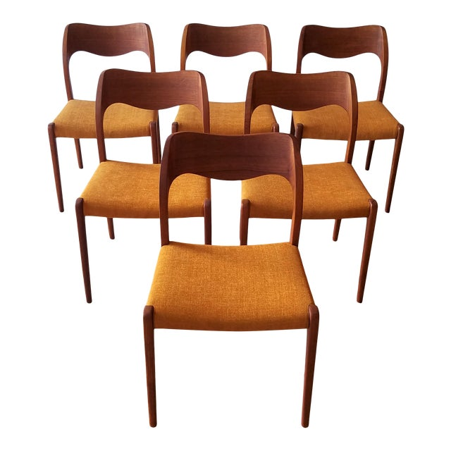 Newly Upholstered 1960s Niels Moller Model 71 Dining Chairs - Set of 6 For Sale