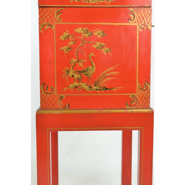 Chinoiserie Box on Stand For Sale In New York - Image 6 of 13
