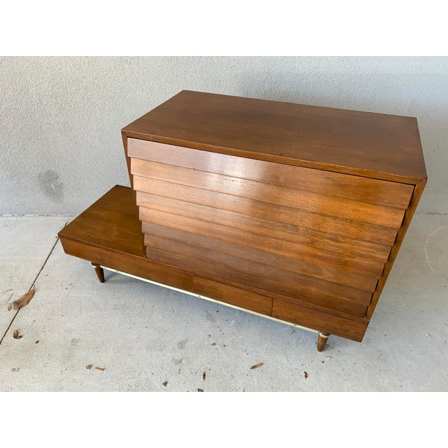 American of Martinsville Vintage Mid-Century American of Martinsville Dania Modular Bench & Chest of Drawers For Sale - Image 4 of 12