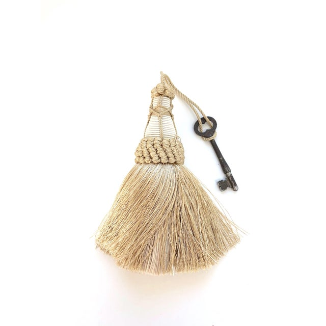"""Champagne Champagne and White Key Tassels With Cut Ruche Trim - Tassel Height 5.75"""" For Sale - Image 8 of 11"""