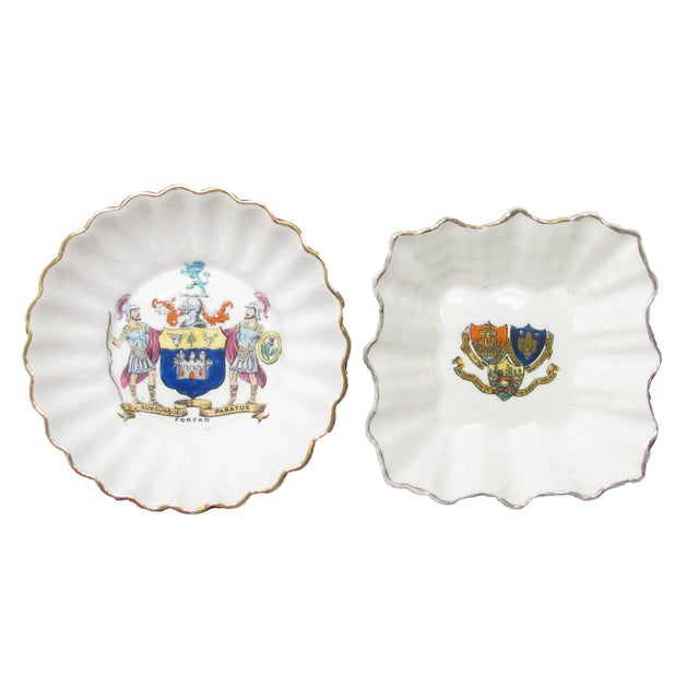 Mid 20th Century English Vintage Heraldry Dishes, S/2 For Sale - Image 5 of 5