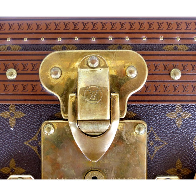 Louis Vuitton Alzer 80 Leather and Brass Suitcase & Original Protective Cover For Sale - Image 5 of 11