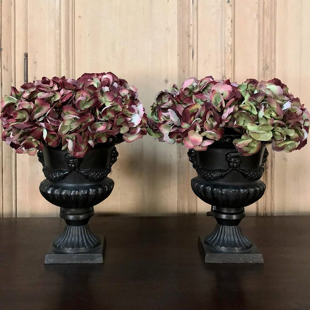 Garden Urns, 19th Century Neoclassical in Cast Iron - a Pair For Sale - Image 4 of 13