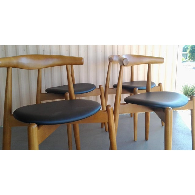 "Danish Modern 'Hans Wegner' ""Ch20"" Elbow Chairs - Set of 4 For Sale - Image 5 of 7"