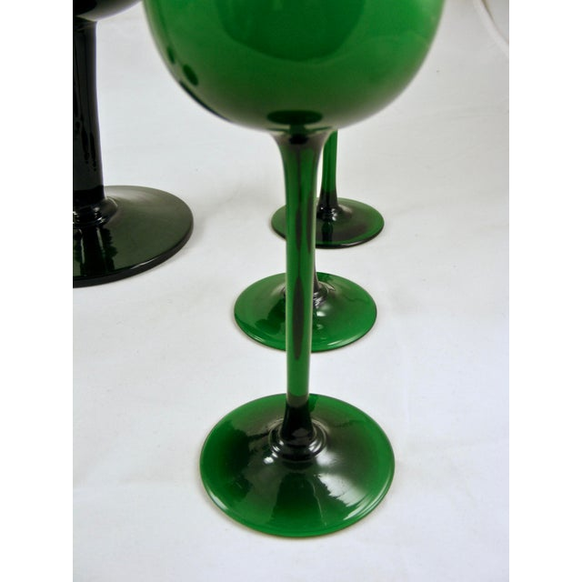 Glass Carlo Moretti Mid Century Green and White Cased Pedestal Pitcher and 5 Wine Glasses For Sale - Image 7 of 9