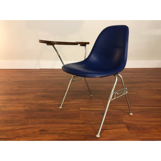Ray and Charles Eames Dss Fiberglass Chair With Writing Surface Made by Herman Miller For Sale In Seattle - Image 6 of 13