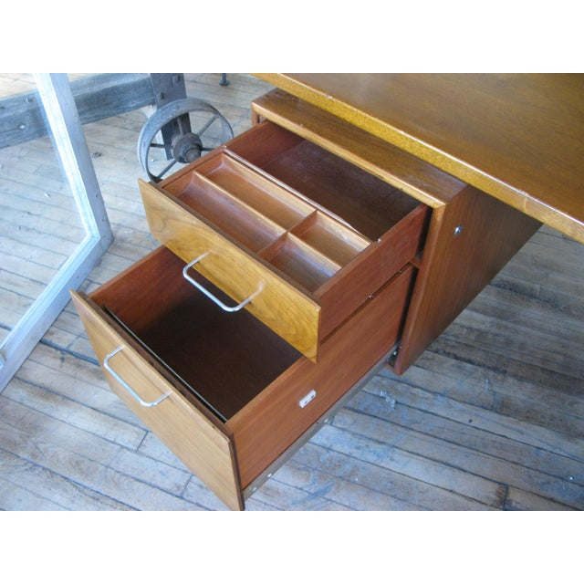 1950s 1950s Mid-Century Modern Walnut Executive Desk by Jens Risom For Sale - Image 5 of 8