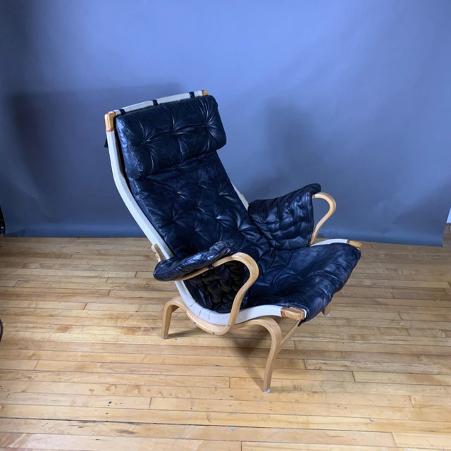 "Wood Bruno Mathsson ""Pernilla"" Lounge Chair + Ottoman, Sweden For Sale - Image 7 of 11"