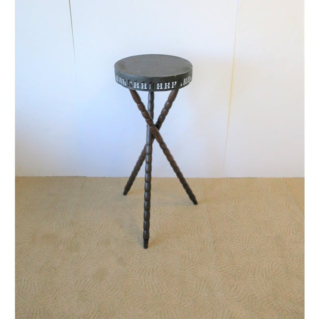Americana 20th Century Rustic Black and Brown Tripod Side Table For Sale - Image 3 of 13