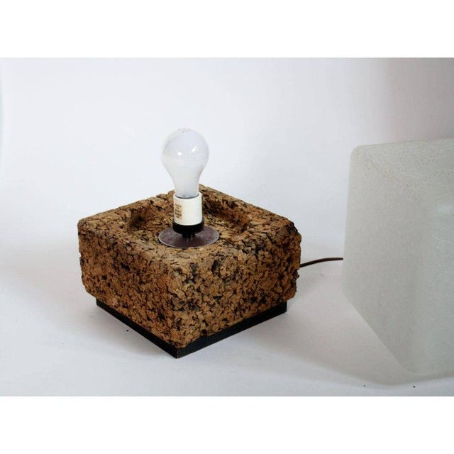 Mid-Century Modern Final Markdown- 1970s Vintage Modern Cube Cork & Glass Shade Table Lamp For Sale - Image 3 of 6