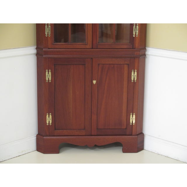 Chippendale 1990s Chippendale Craftique Solid Mahogany Corner Cabinet For Sale - Image 3 of 11