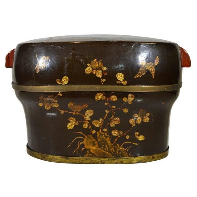 Hand-Painted and Lacquered Wedding Box With Flowers From, China, 19th Century For Sale In New York - Image 6 of 10