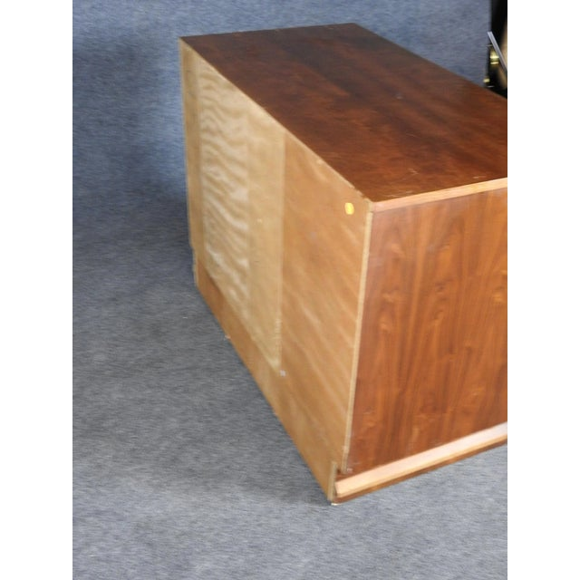 Mid-Century Modern 1960s Mid-Century Modern Walnut Credenza With Mirror Doors For Sale - Image 3 of 6