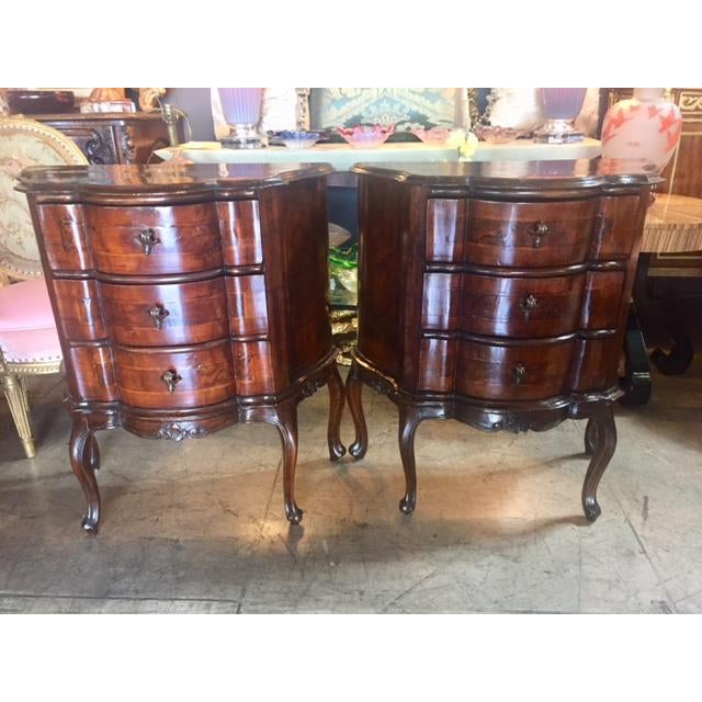 18th Century Italian Walnut 3 Drawers Commodes - a Pair For Sale - Image 12 of 12