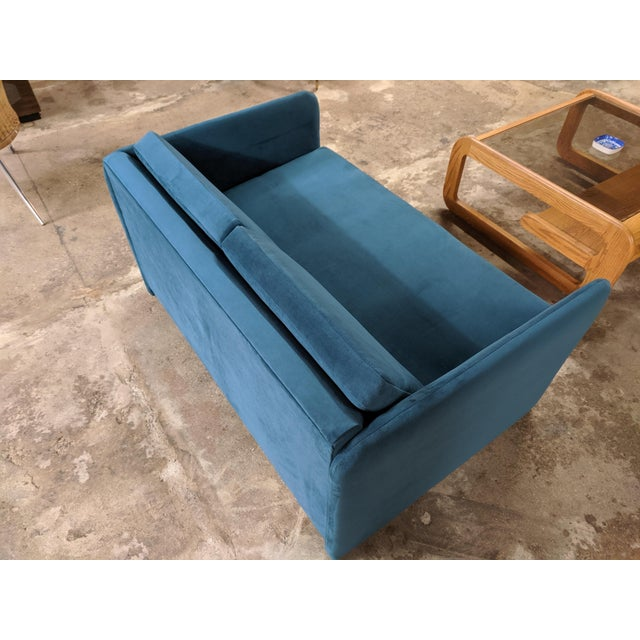 Vintage 1980's Reupholstered Love Seat in Crushed Turquoise Velvet With Rounded Arms For Sale In Los Angeles - Image 6 of 9
