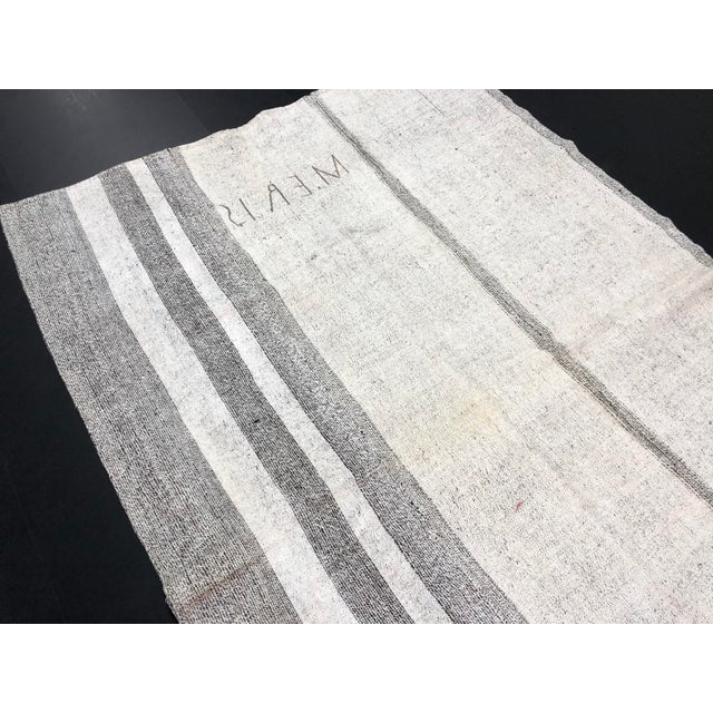 1960s Vintage Natural Wool Turkish Handwoven Anatolian Aztec Floor Rug- 5′4″ × 8′2″ For Sale - Image 9 of 11