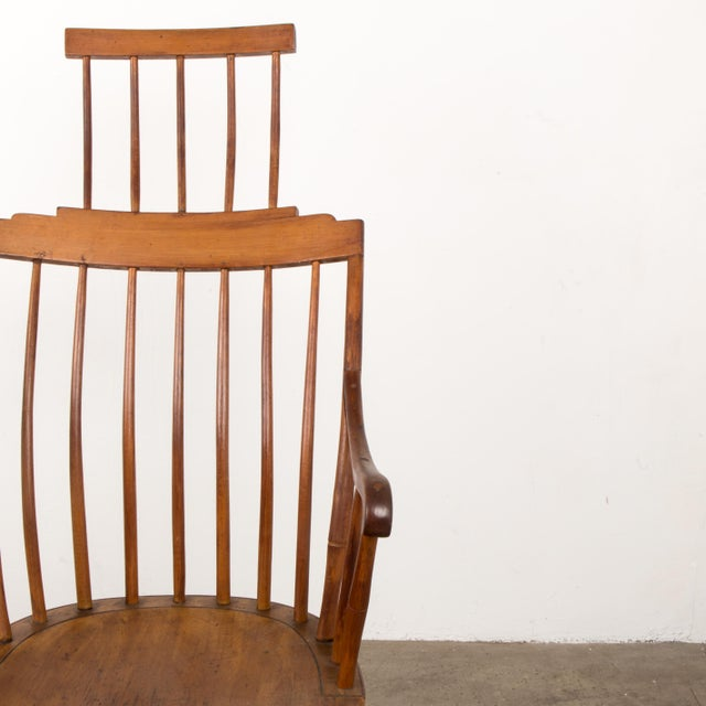 Mid 19th Century Antique American Comb-Back Windsor Rocker For Sale In New York - Image 6 of 12