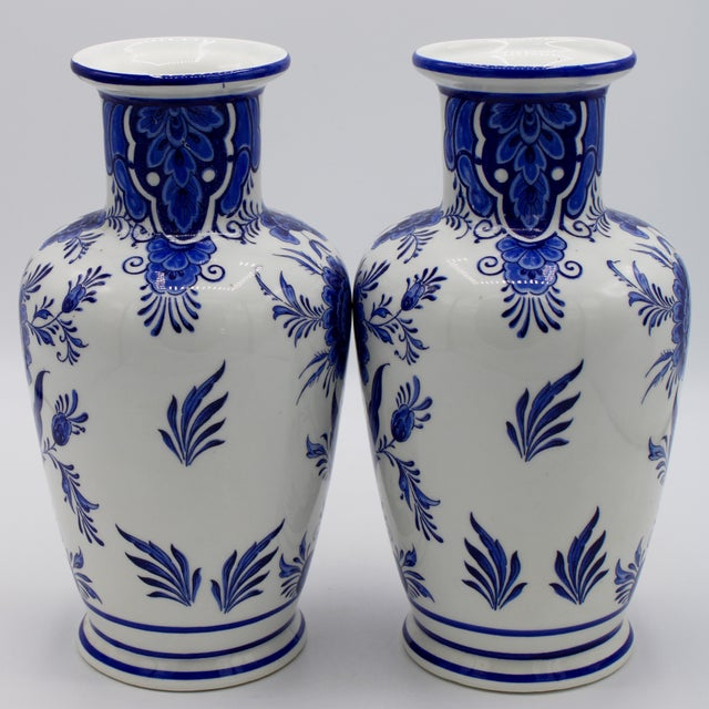 1960s Mid-20th Century Blue and White Floral Dutch Delft Ginger Jar and Vase Set For Sale - Image 5 of 13