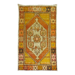 Vintage Anatolian Rug- 2'8'' x 4'2'' For Sale