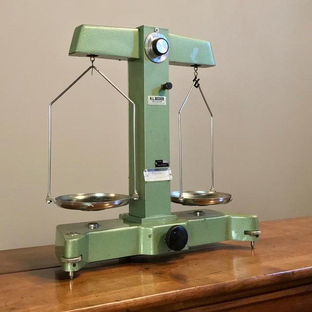 Early 20th Century Antique Commercial Balance Scale by H. L. Becker in Brussels For Sale - Image 5 of 10