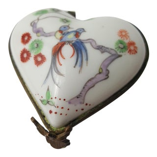 19th Century Chantilly Heart Shaped Trinket Box For Sale