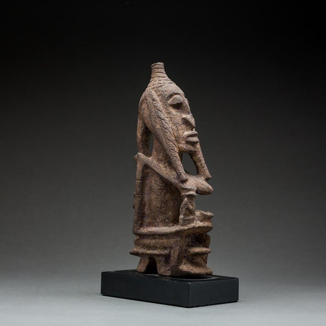African Tellem Sculpture of a Seated Woman For Sale - Image 3 of 4