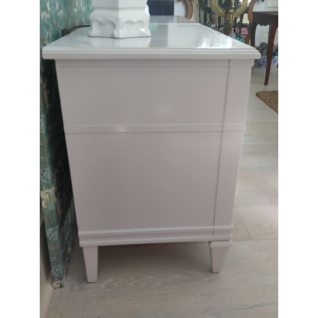 Final Markdown Drexel Heritage Pale Lavender Lacqured Nightstands - a Pair For Sale - Image 9 of 10