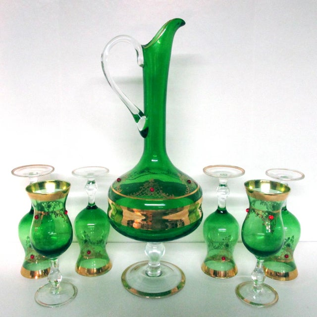 Green Vintage Italian Gilt Emerald Glass & Red Jewels Decanter Set - 7 Pc. Set For Sale - Image 8 of 10