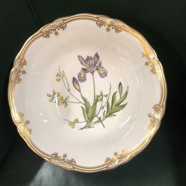 2000 - 2009 Spode Scalloped Rim Botanical Bowl with Gold Details For Sale - Image 5 of 7