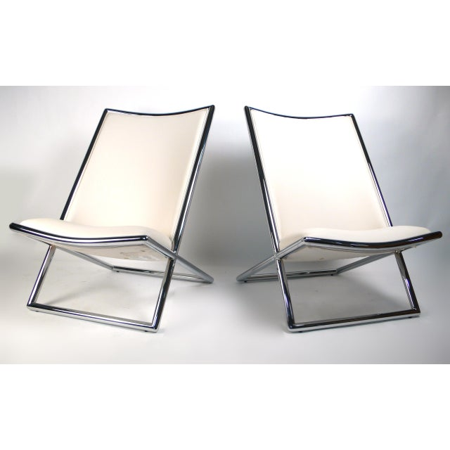 Ward Bennett took inspiration for the Scissor chair from the hammock-style chaise transatlantique of the mid-nineteenth...