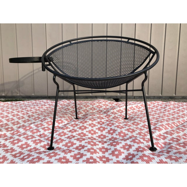 1950s Salterini Tempestini Radar Space Age MCM Mid-Century Modern Wrought Iron Lounge Patio Chairs- a Pair For Sale - Image 11 of 13