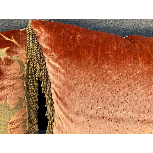 Luigi Bevilacqua Silk Velvet Pillows - A Pair For Sale In Los Angeles - Image 6 of 8