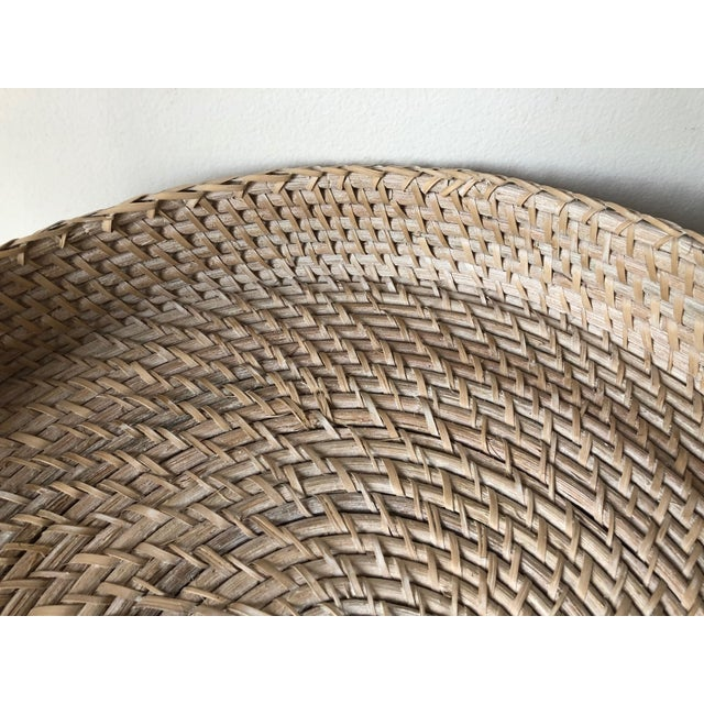 "Wood Artifacts Rattan 18""Round Tray For Sale - Image 7 of 10"