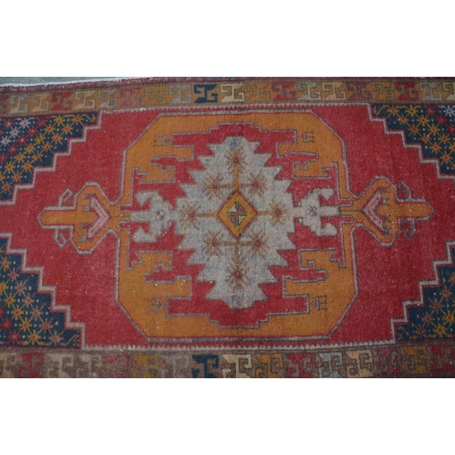 Turkish Bohemian Handwoven Carpet - 4′4″ × 8′5″ For Sale - Image 5 of 6