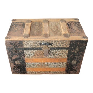 19th Century Traditional Steamer Trunk For Sale
