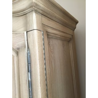 Heritage Furniture Traditional Armoire Preview