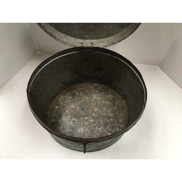 Vintage Painted Metal Oval Hat Box - Image 4 of 8