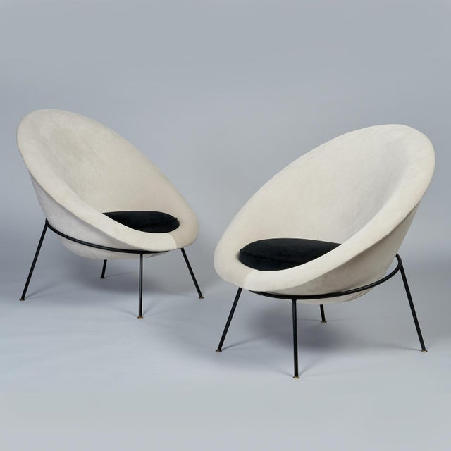 Mid-Century Modern 1950s Vintage Velvet and Lacquered Metal Egg Chairs- A Pair For Sale - Image 3 of 10