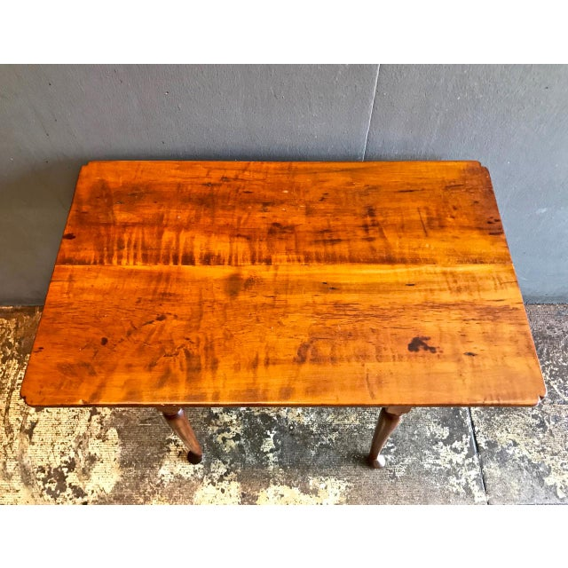 Mid 18th Century 18th C. American Queen Anne Tiger Maple Queen Anne Tavern or Side Table For Sale - Image 5 of 10