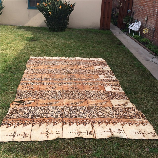An exquisite example vintage tapa cloth, made in the Pacific island of Tonga. It's made from the inner bark of the white...