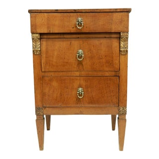 Small Italian Walnut Early 19th Century Commde For Sale