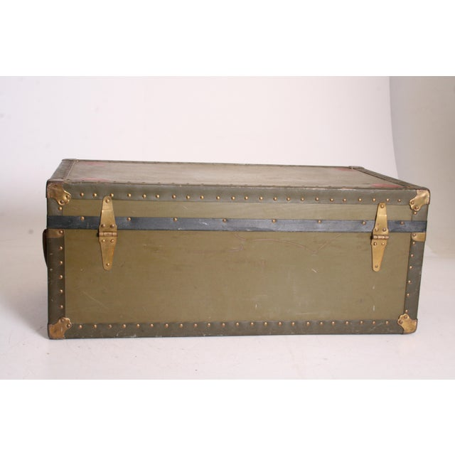 Vintage Industrial Green Military Foot Locker Trunk with Tray - Image 7 of 11
