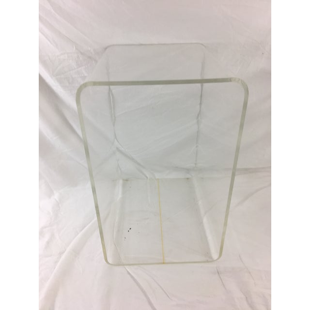 Contemporary Mid-Century Modern Lucite Nesting Tables - Set of 3 For Sale - Image 3 of 11