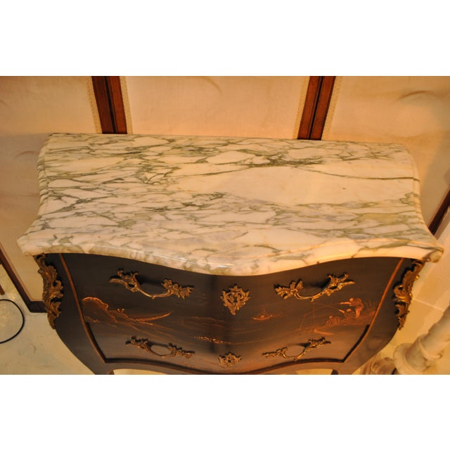 1920s French Louis XV Style Bombe Form Two Drawer Chest With Chinoiserie Decorations and White Marble Top For Sale - Image 5 of 13